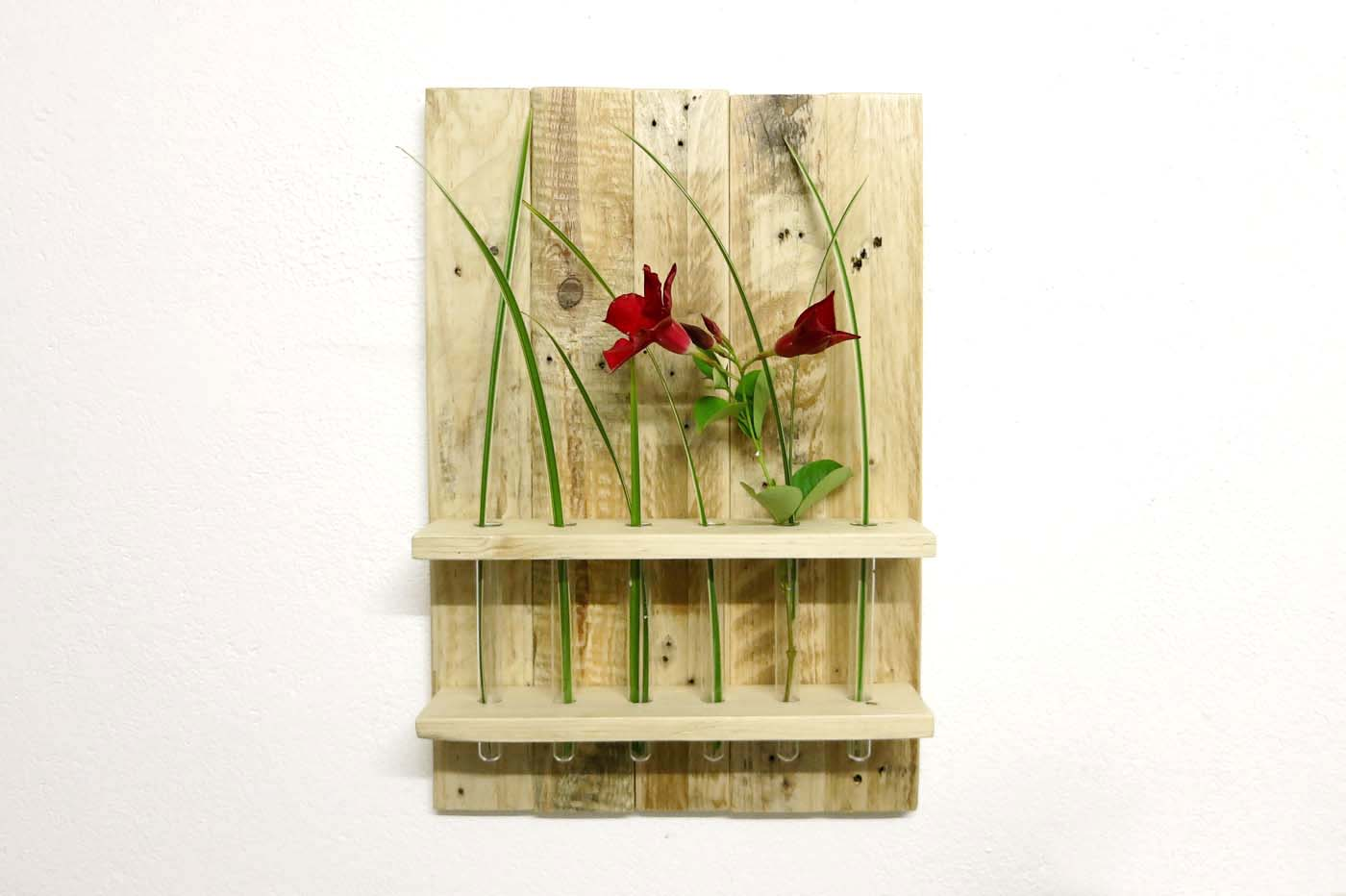 Blumen Wandregal Reagenzgläser