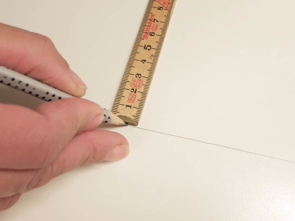gerader Stichsägenschnitt: Schnittkante anzeichnen